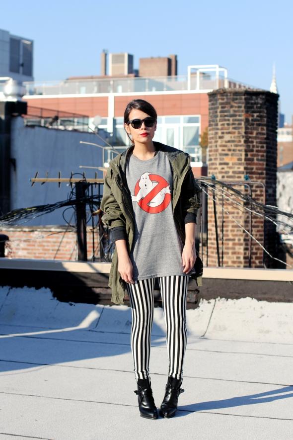 Sara de Collage Vintage por los pantalones