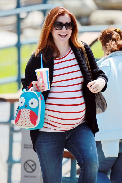 10-pregnant-celebrities-maternity-style-trends-3