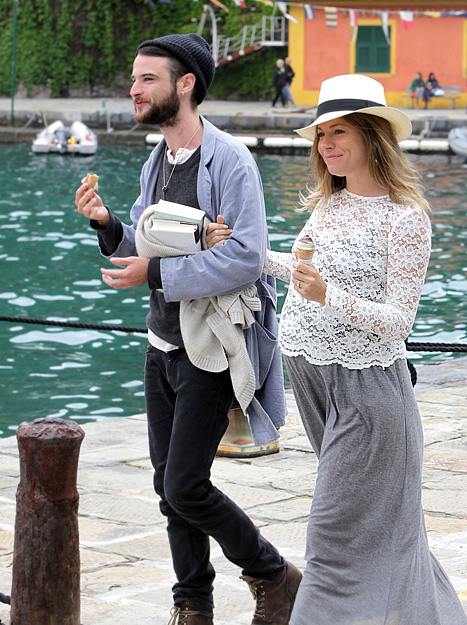 1336401834_tom-sturidge-sienna-miller-article