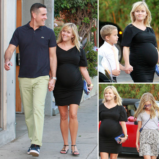 Pregnant-Reese-Witherspoon-Her-Family-Venice